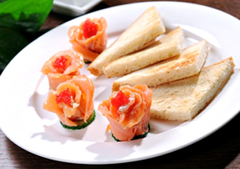 Smoked salmon flowers