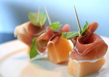 Parma ham with melon rolls